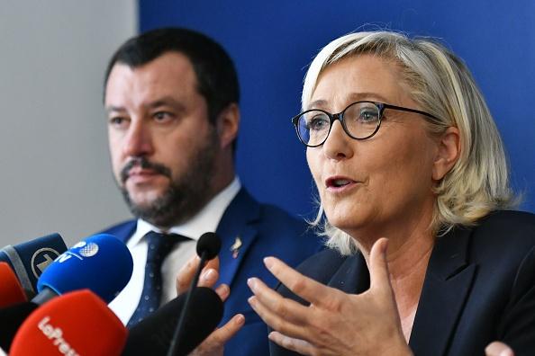 Pour Marine Le Pen, «les migrants, c'est comme les éoliennes»