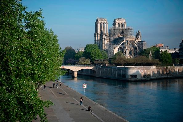 Notre-Dame – Le général Tauzin profondément meurtri par l'incendie: «Jamais je n'aurais imaginé voir brûler le cœur de Paris»