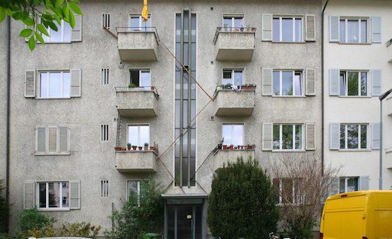 Suisse: des escaliers sur les façades des bâtiments pour permettre aux chats de rentrer et sortir librement