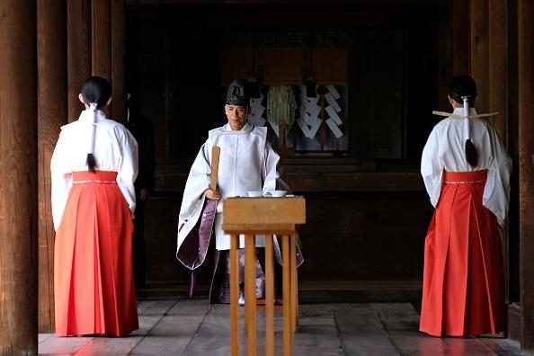 Japon: offrande de Shinzo Abe au sanctuaire controversé Yasukuni