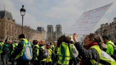 Le milliard de dons pour Notre-Dame fait débat dans la France des