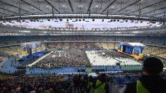 Ukraine: favori de la présidentielle, le comédien Zelensky promet de