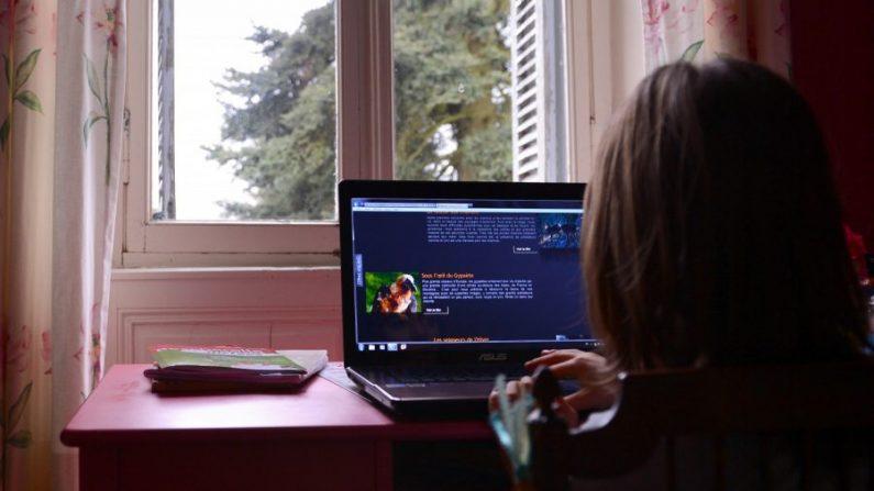 Une jeune fille de 12 ans met fin à ses jours après avoir été harcelée sur les réseaux sociaux