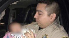 Des policiers arrêtent un conducteur en état d'ébriété et nourrissent les 3 enfants affamés qui se trouvent dans la voiture