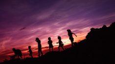 Un couple adopte 7 frères et sœurs pour qu'ils n'aient plus à vivre séparés