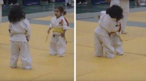 Vidéo: Un adorable premier combat de judo opposant deux fillettes de 3 ans
