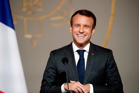 Européennes: Emmanuel Macron s'invite sur une affiche de la majorité