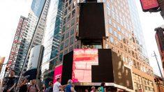 Incendie d'un panneau d'affichage géant à Times Square