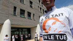 «Ce sont des monstres!»: à Reims, certains proches de Vincent Lambert entre larmes et colère