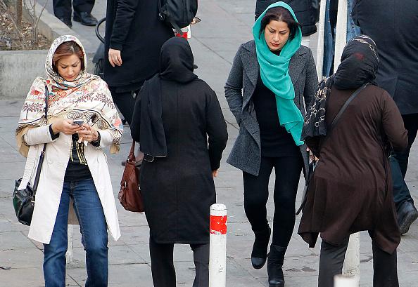 Port du voile: heurts entre étudiants à l'université de Téhéran