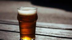 Un homme est complètement transformé après avoir arrêté de boire 12 bières chaque soir