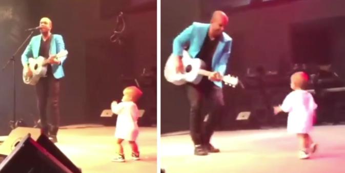 Vidéo: un bébé vole la vedette à son papa en dansant sur scène
