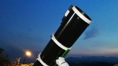Une grand-mère passe ses nuits à regarder le ciel – un jour elle prend une photo qui lui vaut un prix de la NASA