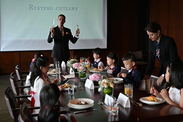 A Shanghai, le «savoir-vivre français» inculqué aux enfants de l'élite