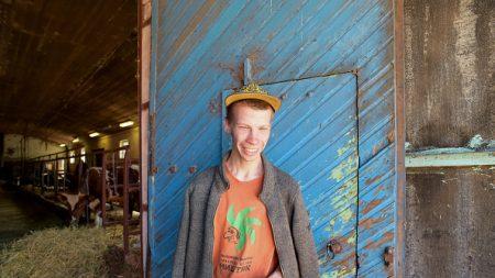 En Russie, une ferme thérapeutique lutte contre l'exclusion des handicapés mentaux