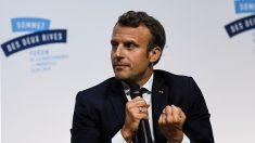 Emmanuel Macron rencontre chômeurs et équipes de Pôle Emploi dans les quartiers Nord de Marseille