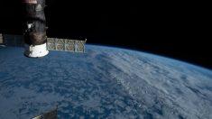 Un astronaute enregistre une séquence vidéo à couper le souffle montrant la Terre