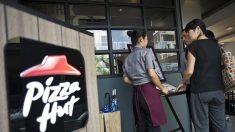 Paris : une cliente d'un restaurant Pizza Hut intoxiquée après avoir bu une carafe d'eau contenant du détergent