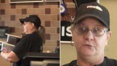 Des employés aux cheveux grisonnants remplacent les adolescents dans les fast-foods aux quatre coins des États-Unis