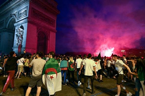 Champs-Élysées: magasins pillés lors d'un rassemblement après la victoire de l'équipe de foot d'Algérie